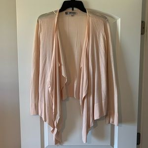 Jennifer Lopez light pink cardigan